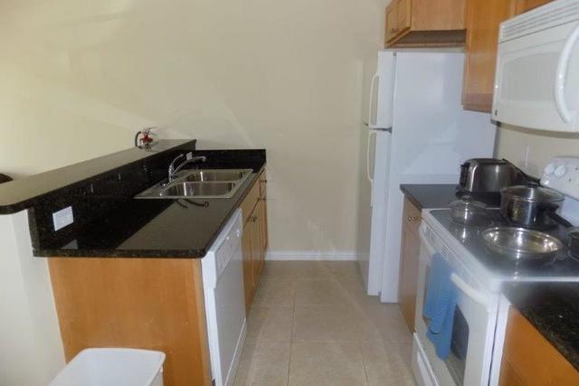 Lakeside - Condo - Apartment