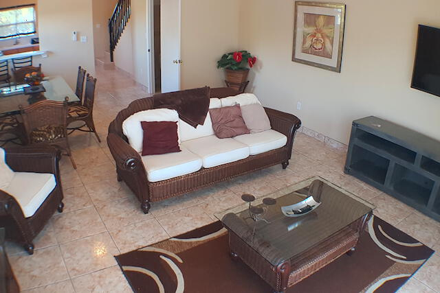 Must See! Beds 2 Baths 2.5